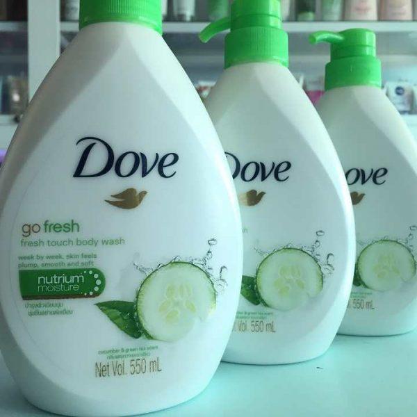 Sữa tắm Dove dưa leo và trà xanh làm sạch và dưỡng ẩm mềm mịn da