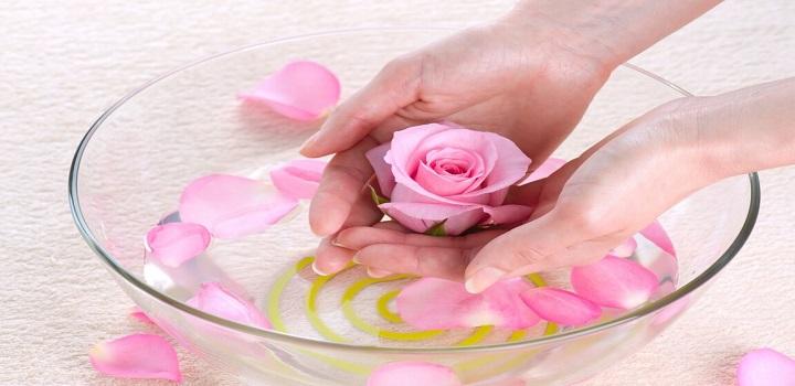 Nước hoa hồng cân bằng làm sáng và mềm mịn da